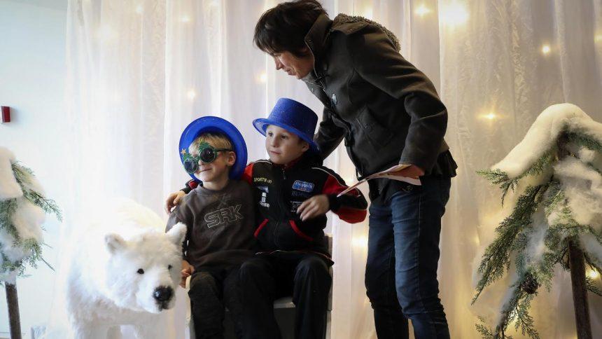 Des étoiles dans les yeux des enfants venus au Village de Noël d'Engie au stade Bollaert