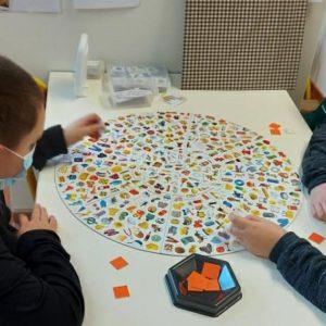 Des films, un rallye maths et des jeux issus du Noël des déshérités dans cet IME à Arras